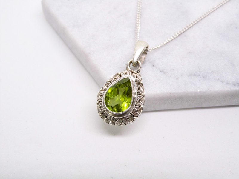 Peridot 925 sterling silver inlaid hand-made lace necklace Nepal birthday gift Valentine's Day gift