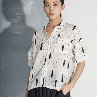 【In stock】Half- sleeved shirt