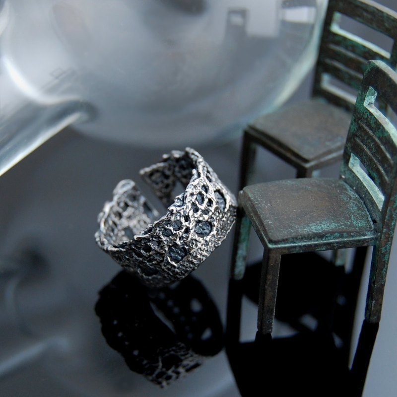 Lace walking Silver Ring - Number 1 (retro. Live Wai)