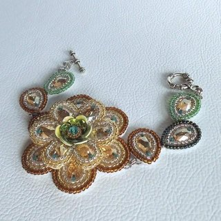 【beads embroidery】 swarovski bracelet no.2