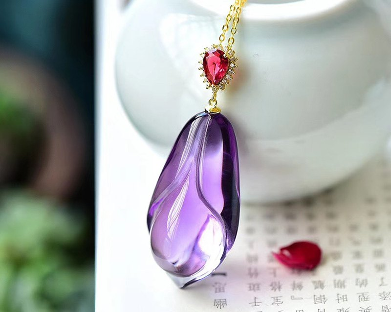 [Welfare price] boutique natural Brazilian amethyst magnolia pendant / crystal super good / three-dimensional carving