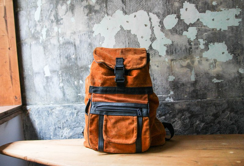 袅袅 department store -Vintage brown suede backpack retro