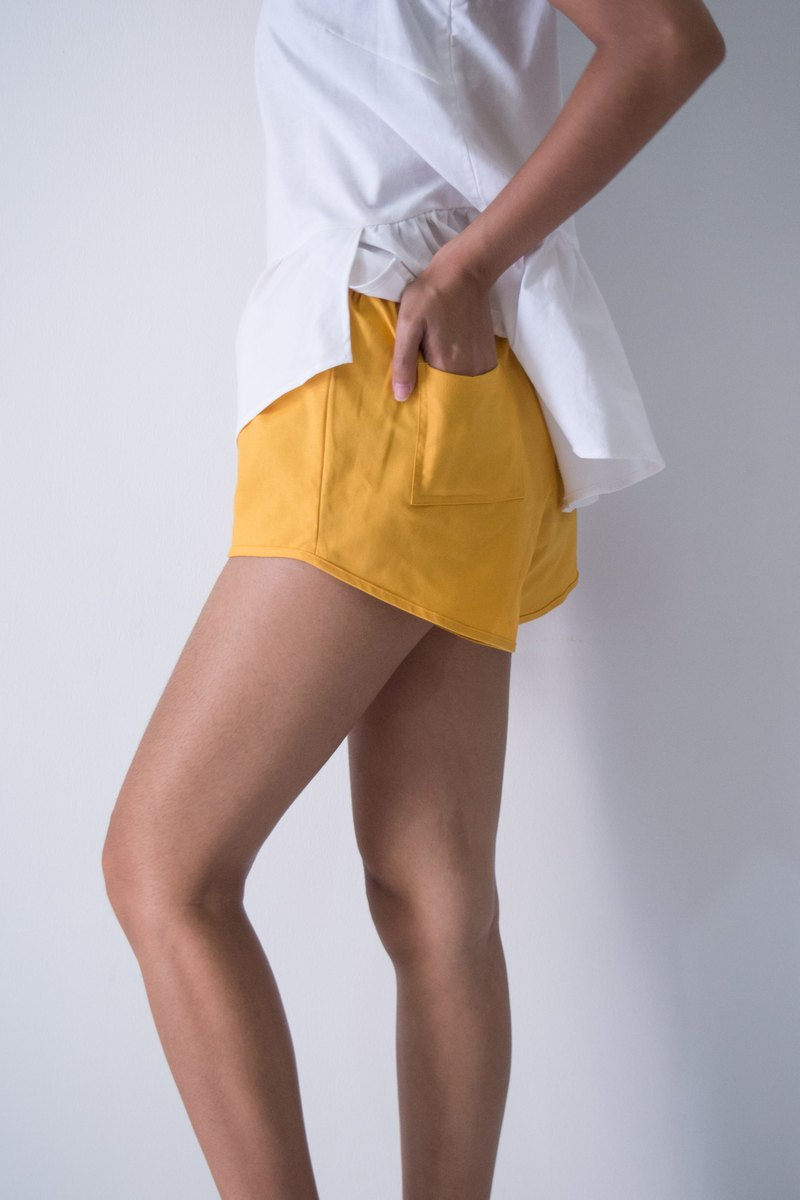 Mani Bleu Girl Shorts Gold