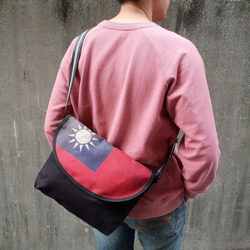 Retro Flag Postman Bag - 3M Reflective Strap