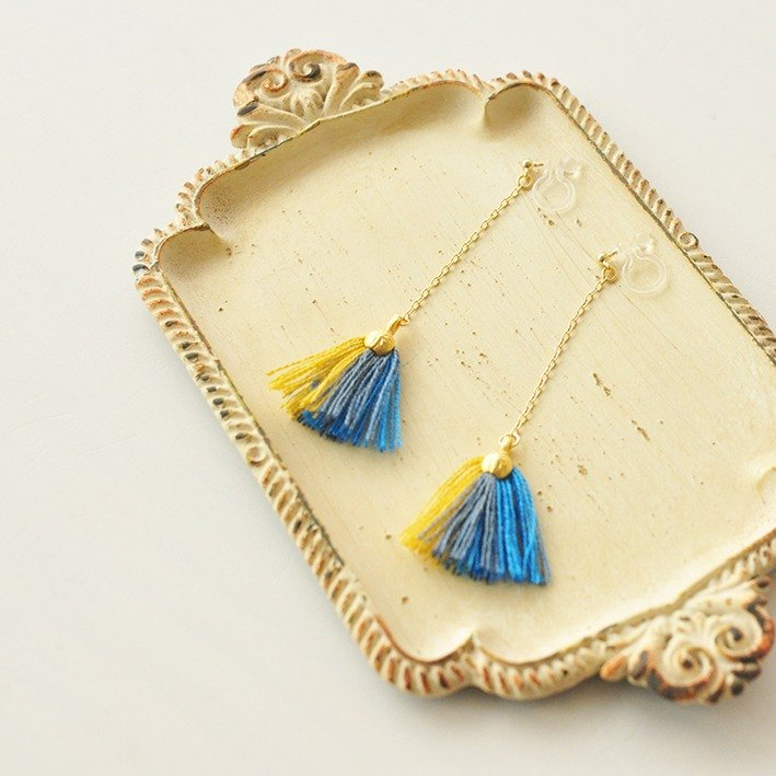 貝殼藍色流蘇耳環 / Tassel earring shell / blue