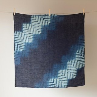 The indigo dyeing hemp wrapping cloth (Noboru Yamaji)