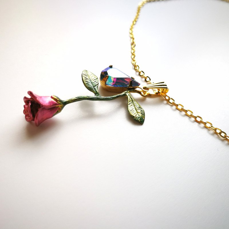 Love at first sight Rose necklace 1920's West Germany vintage glass