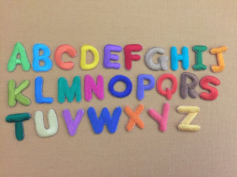 Uppercase English letters self-adhesive embroidered cloth affixed to see the entire group of 26 letters to buy a discount Oh!