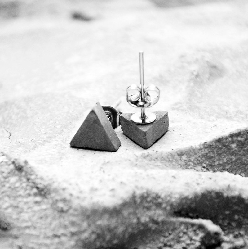 Triangle Concrete Earring | Classic Series