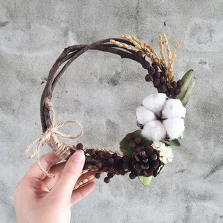 Christmas handmade dried flower wreath wreath spot cotton cones
