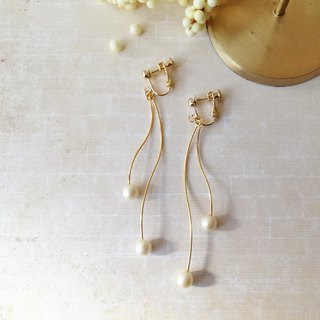 Double pearl and curve line  Earrings