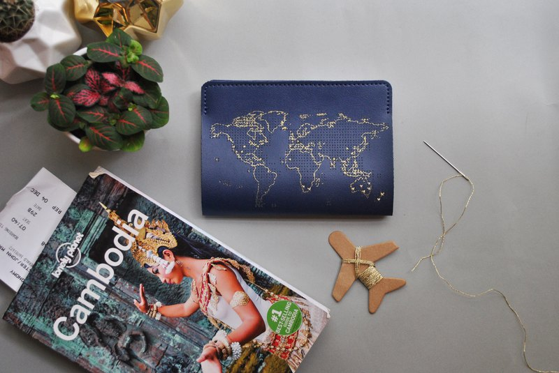 STITCH PASSPORT COVER BLUE
