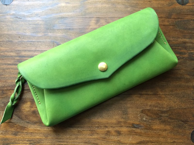 "[Instant delivery possible] Italian leather * 12 cards long wallet ""series-envelope"" leaf green"