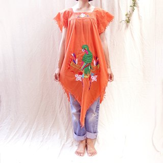*BajuTua/ Vintage/80's Nicaragua Parrot Embroidered Top
