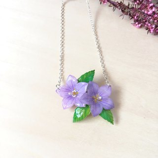 * Haku‧Neko * Hand-painted flower Purple Campanulaceae with leaf necklace