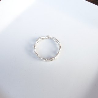 Small circle sterling silver ring