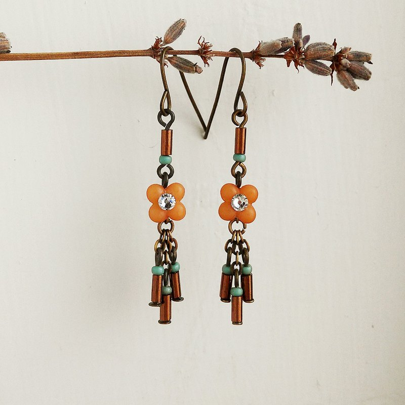 Four plant small flower tassel earrings elegant orange can be clipped