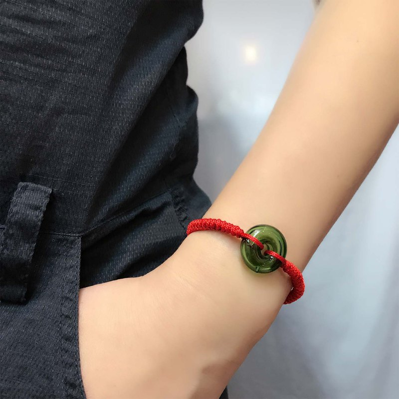 Lucky Diffuser Green Color Donut Bracelet Adjustable Red Cord Braid Chain
