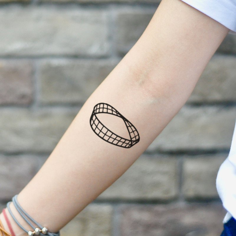 Mobius Strip Temporary Tattoo Sticker (Set of 2) - OhMyTat