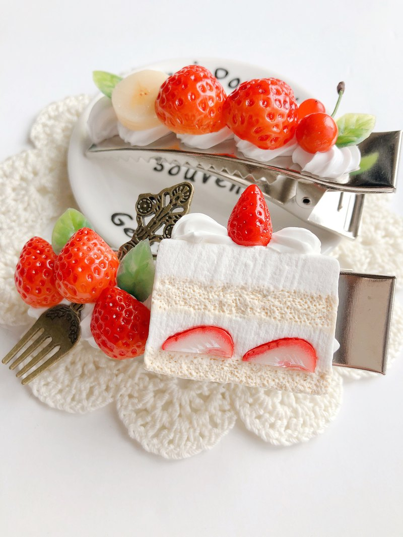 hair clip, hair accessory, fake sweets,strawberry,cake, food,swe