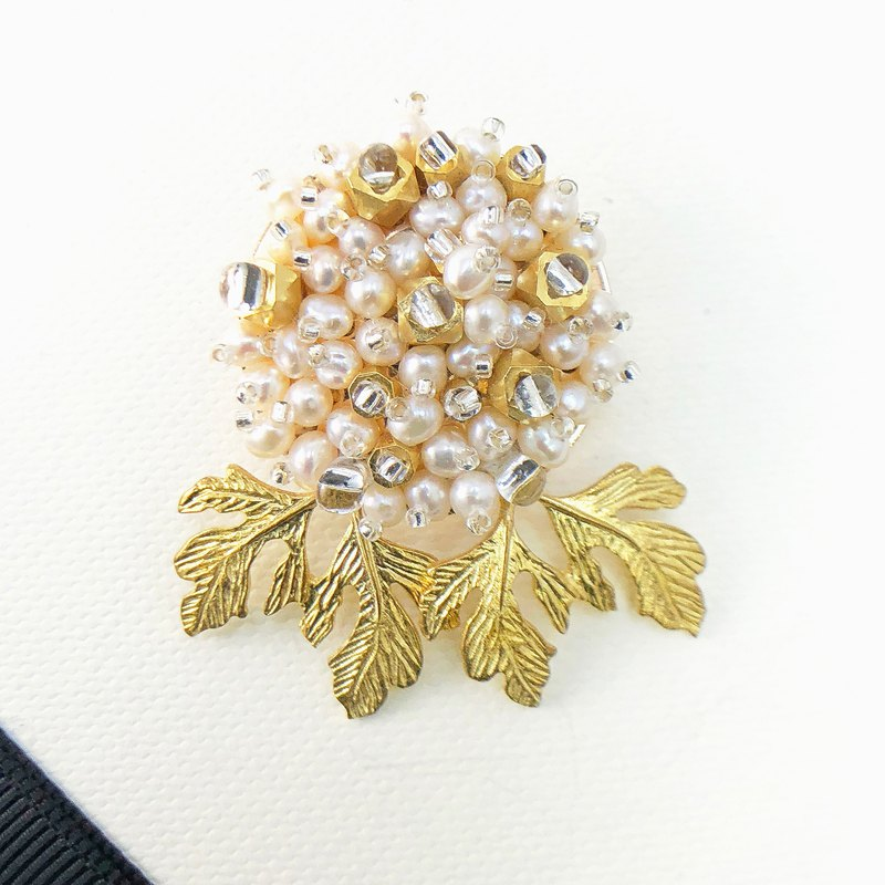 Elegant Japanese Style Pearl Brooch【Wedding 】【Valentines Day Gift】New Year Gift