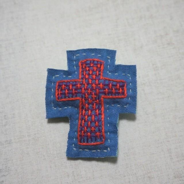 "Hand embroidery broach ""cross"""