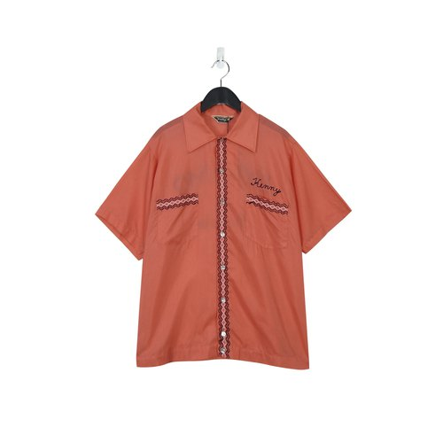 A‧PRANK : DOLLY :: Retro VINTAGE embroidered orange bowling shirt (T805096)