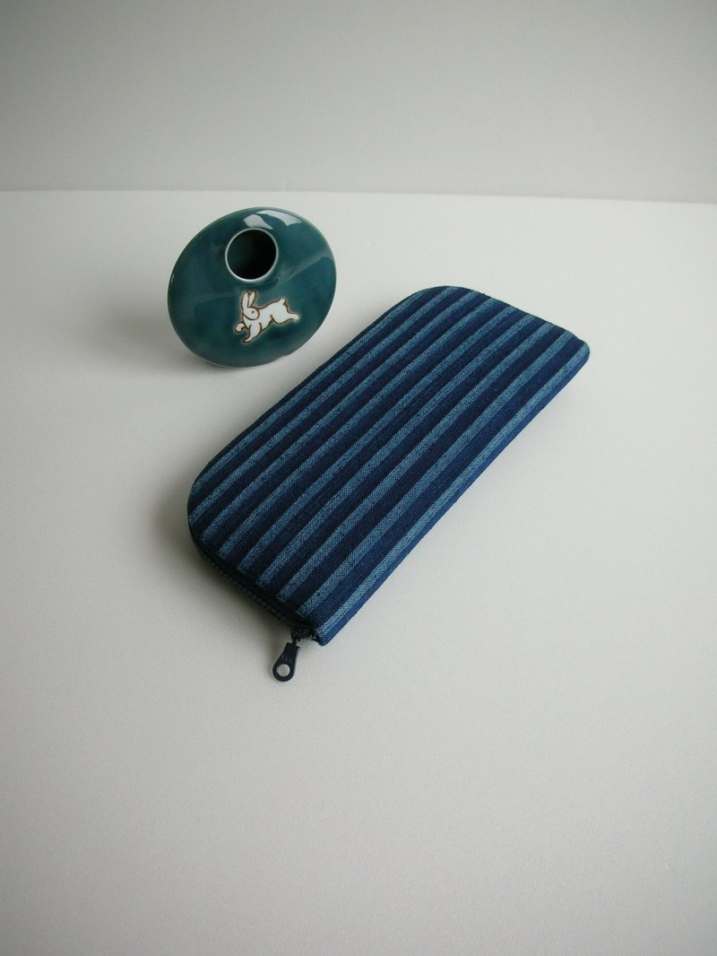 "Prepared after the organization ""gradient blue 缟"" - Long clip / wallet / wallet / gift"