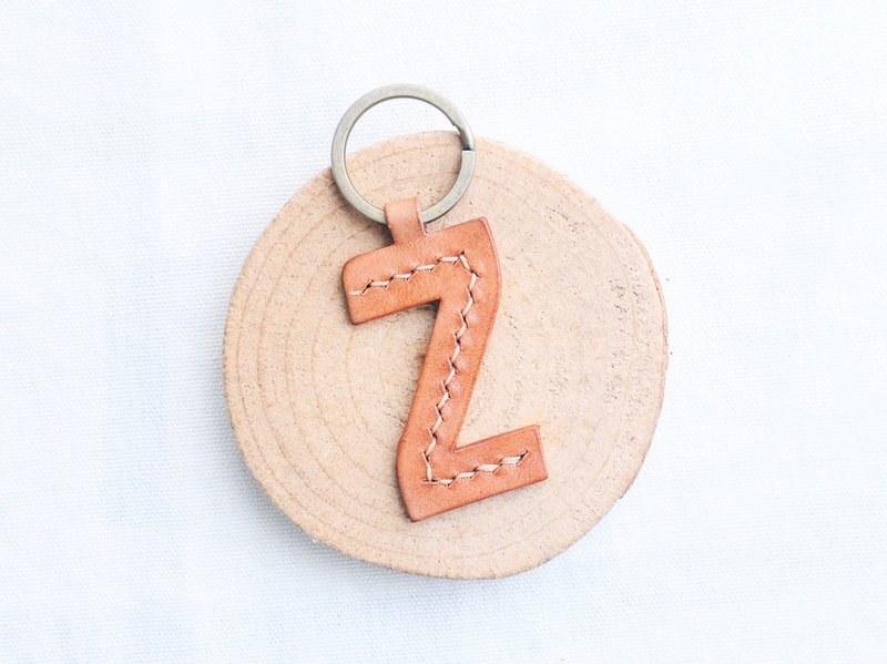 【Original text Z | English letter key chain - white wax skin group | WW】 good seam leather material package hand wrapped wax cream key chain key ring simple and practical Italian leather tanned leather DIY