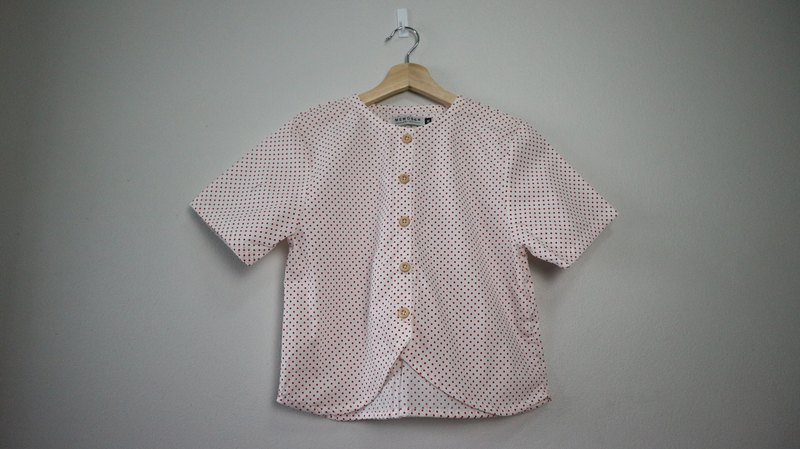 hawen top  in small polkadot