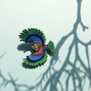 ARRO / Embroidery brooch / Flying bird / green