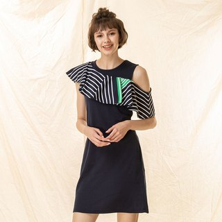 Banquet style styling lotus leaves sleeveless dress