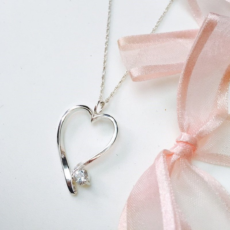 Heart-shaped silver series / Eternal / hand-studded / necklace / Valentine's Day goods