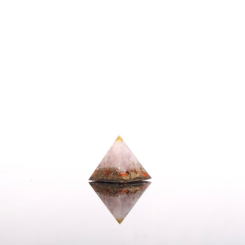 Pink crystal jasper Aogang mini pyramid Orgonite crystal ore metal love fortune attracts peach blossom popularity