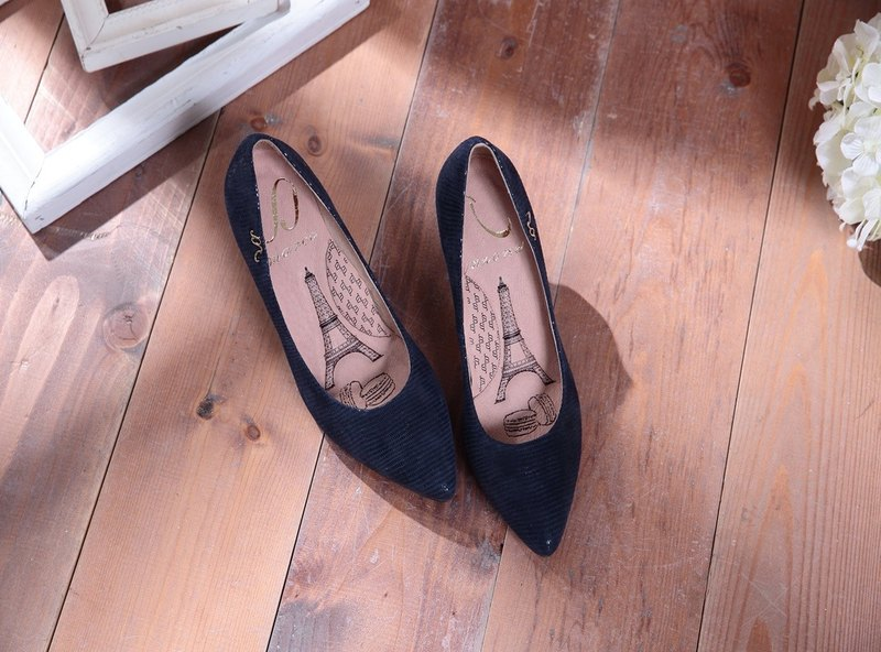 Cinderella-brand calm blue - embossed sheepskin pointed high heels (sold out not chasing)