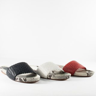 ITA BOTTEGA [Made in Italy] woven flat snakeskin sandals and slippers