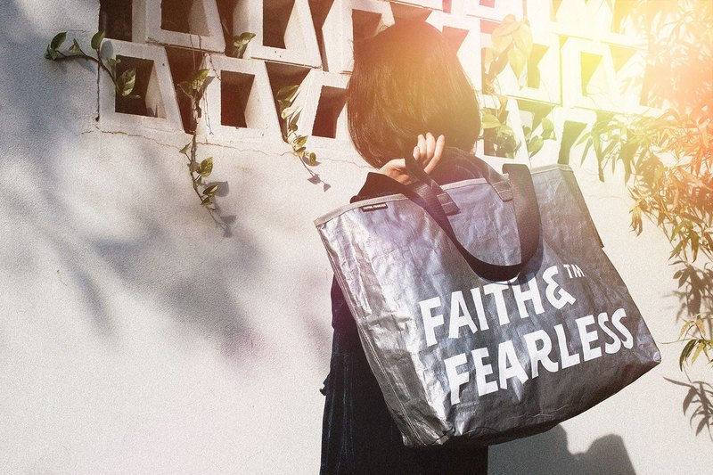 Faith & Fearless Pop Bag_Gray