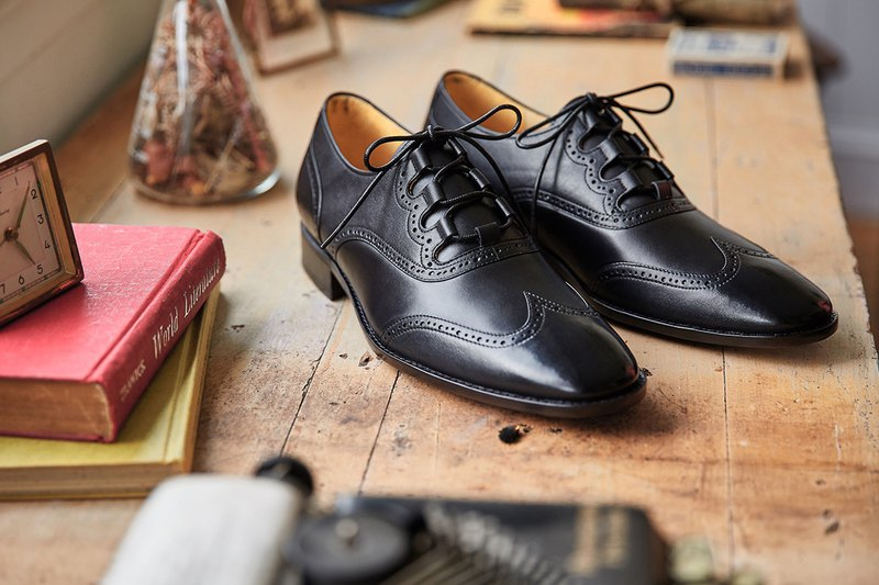 Ghillie Wing Patterned Shoes Classic Black Gentleman Shoes Oxford Shoes Wedding Shoes Leather Shoes Men