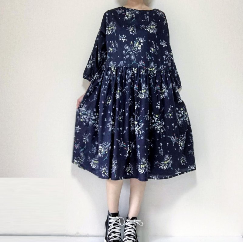 Scattered flowers dress