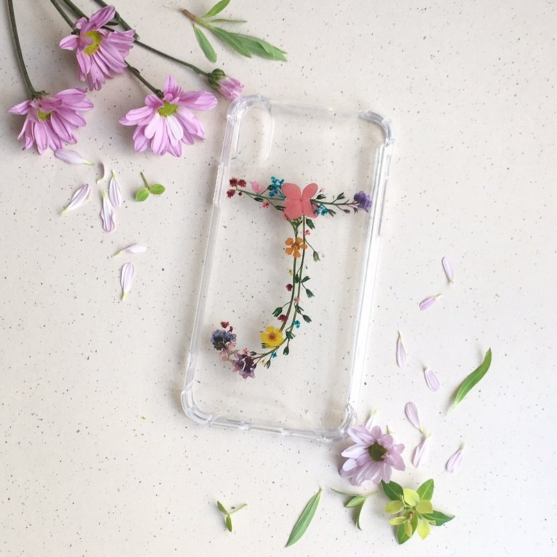 Custom made Initial pressed flower phonecase