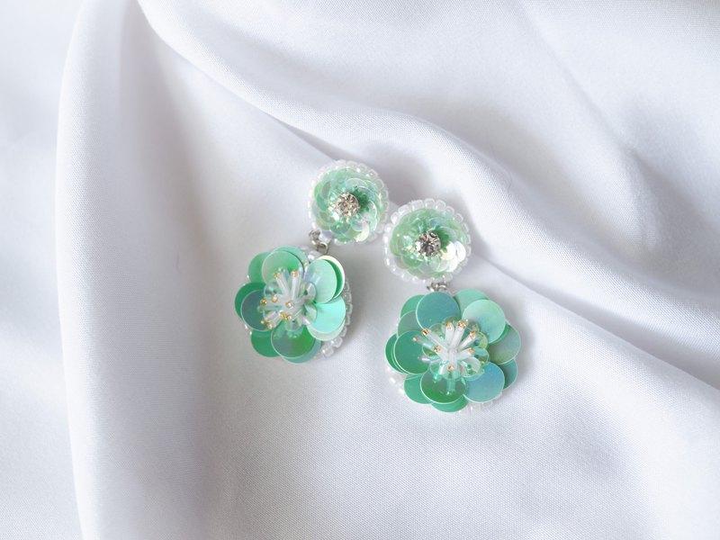 圓形耳環,繡有日本綠色珠子|桿和夾式