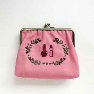 Embroidered gold bag - cosmetics