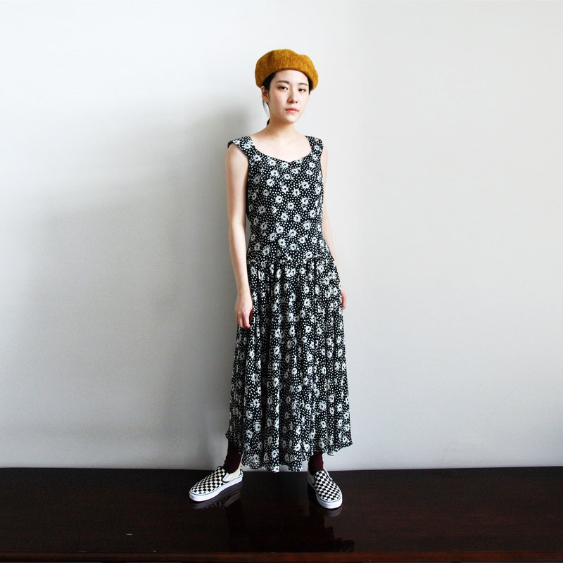 Pumpkin Vintage. Vintage printed halter dress
