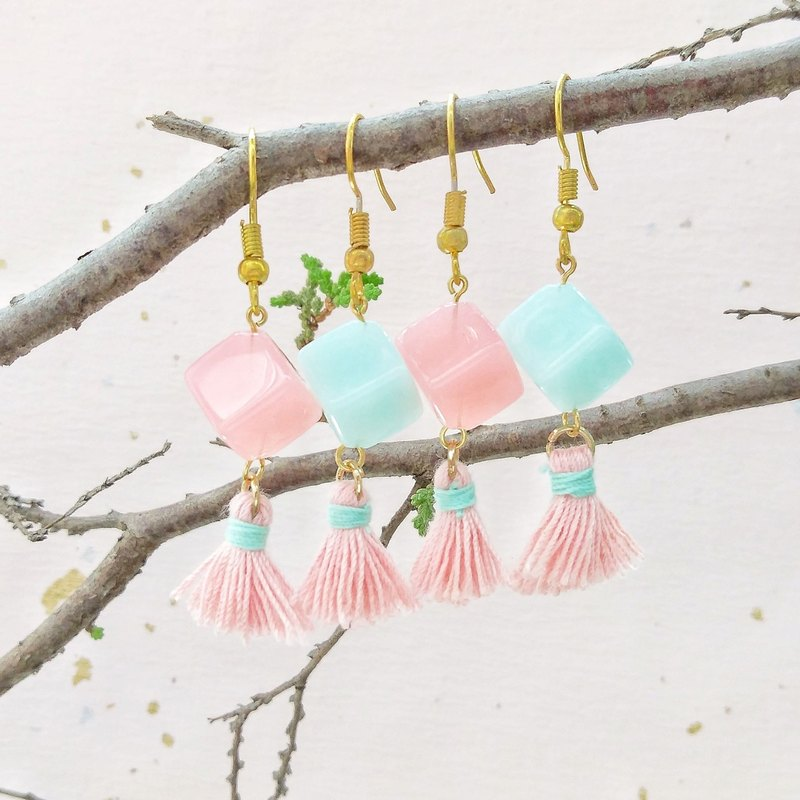 Blue powder candy tassel earrings can change ear clip