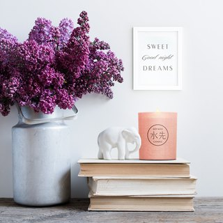 Dreaming--Pure soy wax candle (Wooden candlewick / Floral fragrance)