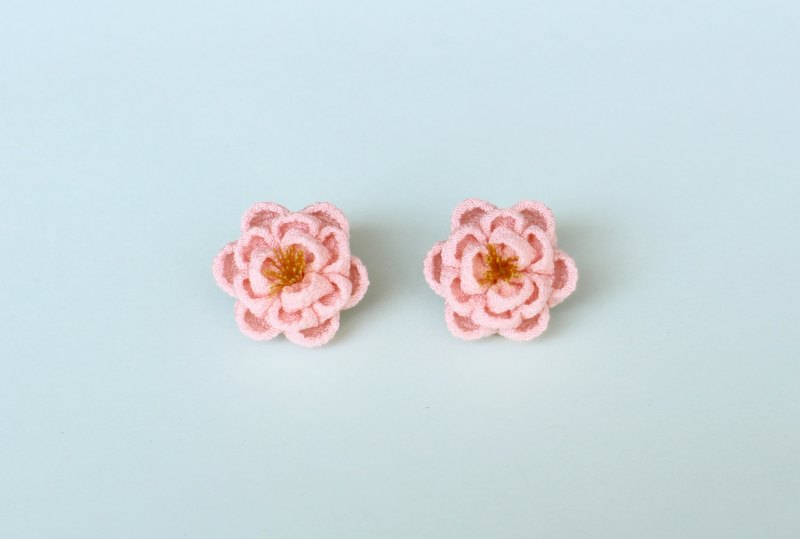 Silk sweet camellia earrings pink knob work