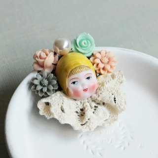 Kiss my baby doll head brooch vintage