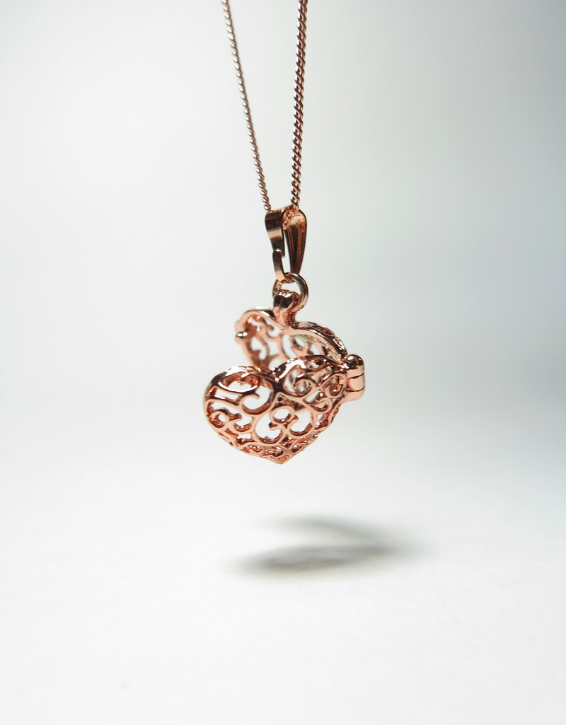 Goody Bag - Neve Jewelry Heart of Heart Peach Heart Mini Necklace (Rose Gold)