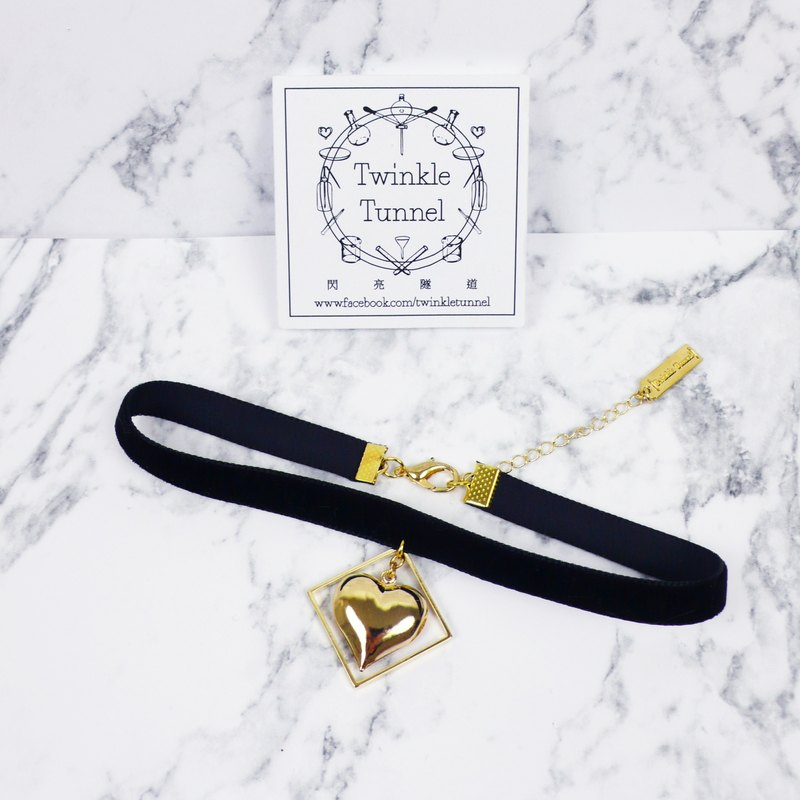 Love thin black velvet box necklace attached neck