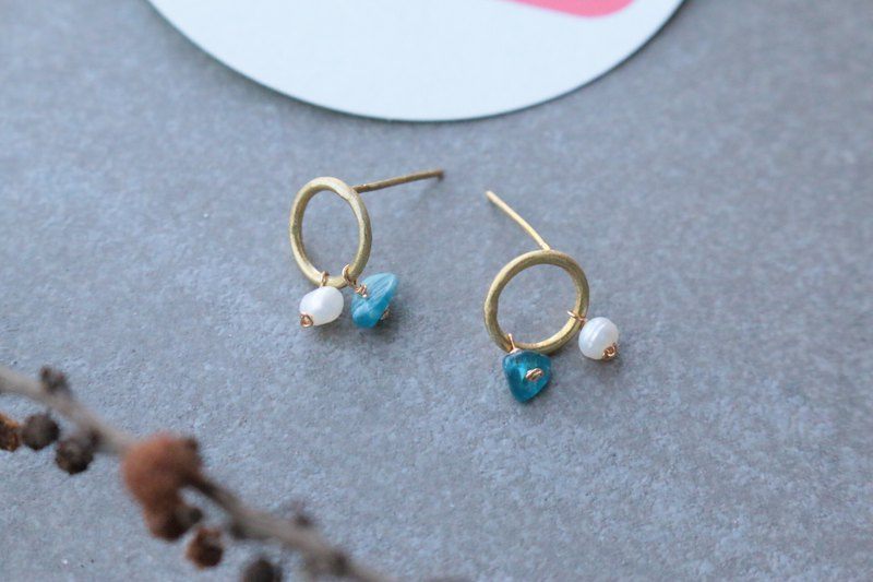 Pearl sea sapphire brass earrings 1132 - strong gold cup